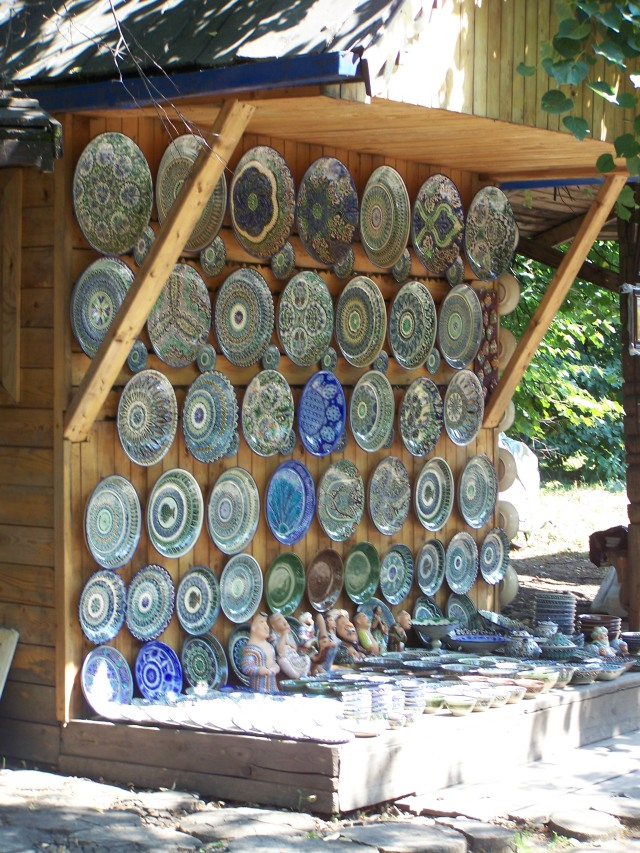 Izmailovo Flea Market - gorgeous Central Asian pottery